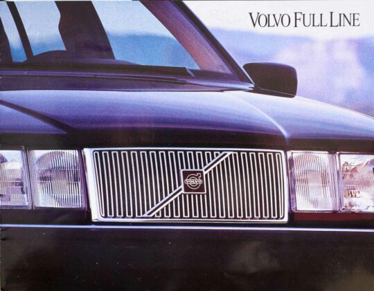 850 and 960 1994 Volvo dealer brochure