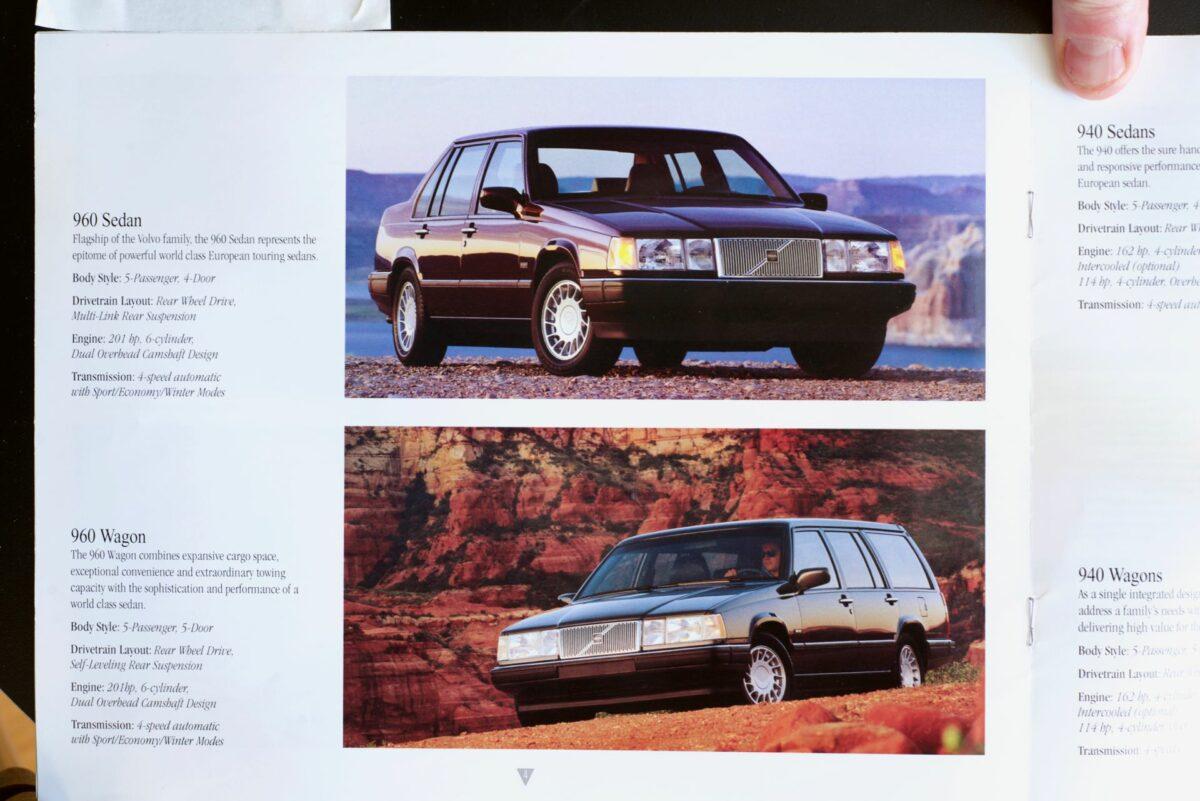 850 and 960 1994 Volvo dealer brochure 4 of 8