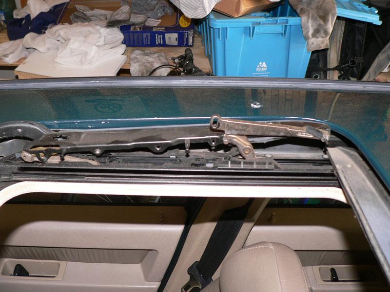 sunroof internal mechanicals