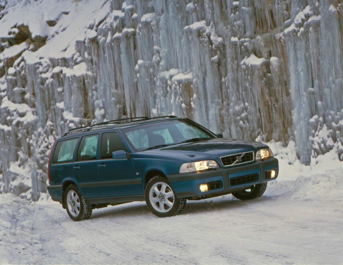 Volvo V70 XC first generation